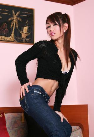 Shemale In Jeans Pics